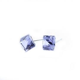 Náušnice swarovski Cube 8 mm vo farbe VIOLET – napichovačky